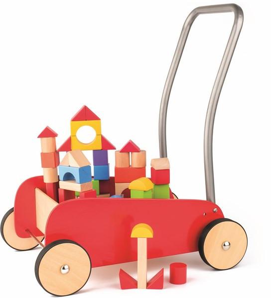 Dřevěný vozík s kovovým madlem a s kostkami