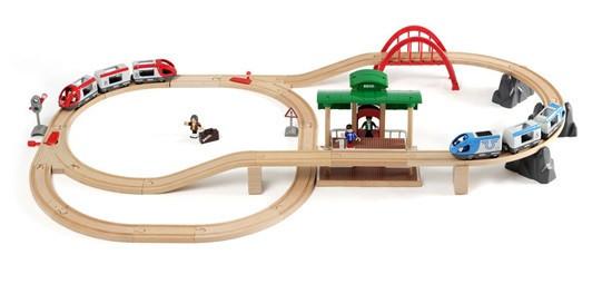 Brio - Vláčkodráha velká s výhybkami, mostem a nástupištěm - 42 dílů