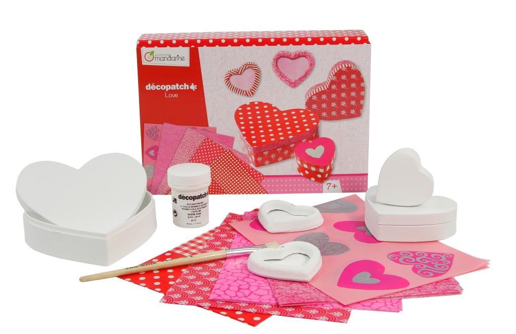 Kreativní set - decoupage - krabičky. Ozdobte si krabičky ve tvaru srdce ... 22c59237e19